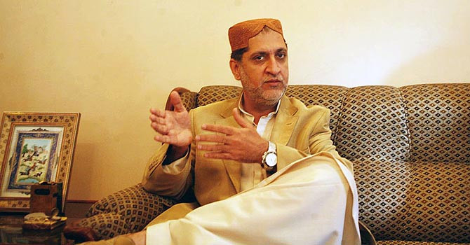 Chief of Balochistan National Party-Mengal (BNP-M), Sardar Akhtar Mengal talks to media representatives. – File Photo by Online