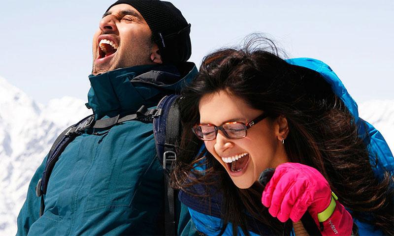 (L-R) Ranbir Kapoor and Deepika Padukone.