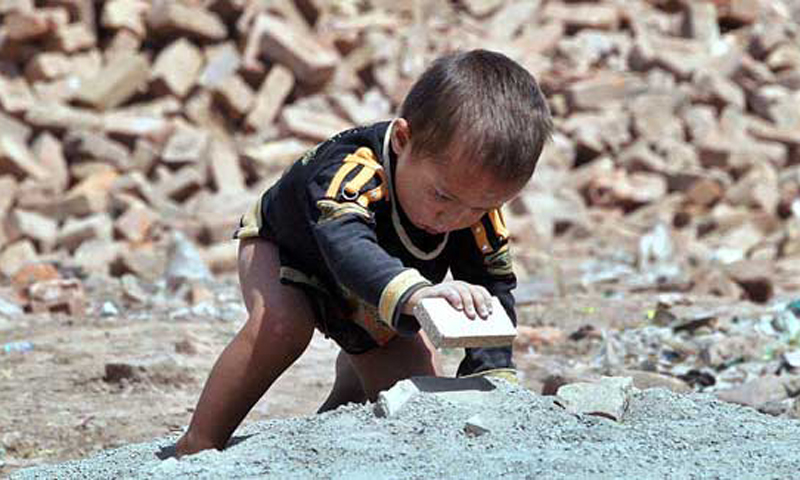 Poverty forces kiln labourers' parents to include their children in the work. — APP/File Photo.