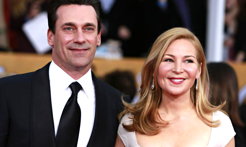 Actor Jon Hamm of the TV drama ''Mad Men'' and his girlfriend Jennifer Westfeldt arrive at the 19th annual Screen Actors Guild Awards in Los Angeles, California January 27, 2013. — Reuters Photo