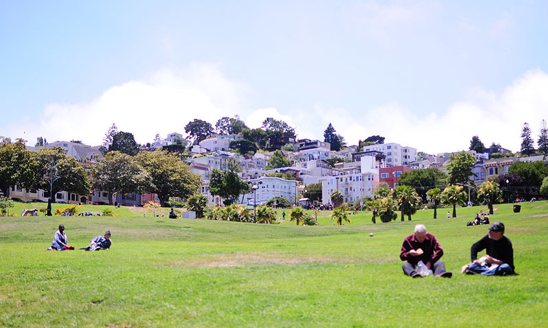 Grab humongous sandwiches from Ike's Place and head to the Dolores Park for a picnic lunch while enjoying some good views.