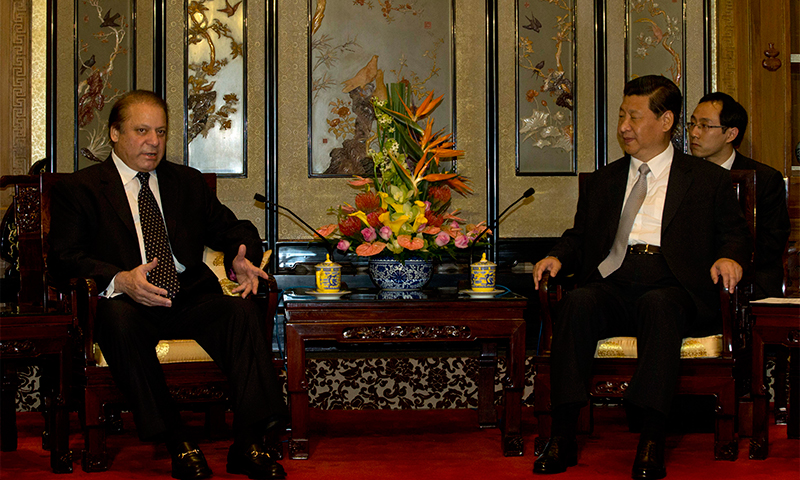 Nawaz Sharif talks with Chinese President Xi Jingping —AFP Photo