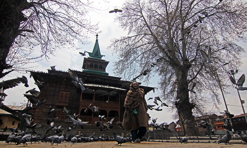 Another important shrine in downtown Srinagar is of Khwaja Naqshband Sahib. In the compound of the shrine the martyrs of July 13, 1931, who raised their voice against tyrannical Dogra rule, are also buried. Photo: Bee, Bilal.