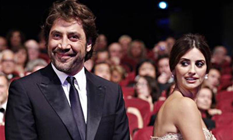 Top Javier Bardem and Penelope Cruz married in July 2010 at a ceremony in  800 x 480 · 39 kB · jpeg