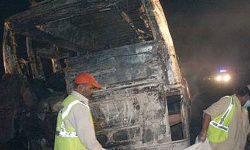 Road accidents kill 24 in Karak, Nawabshah