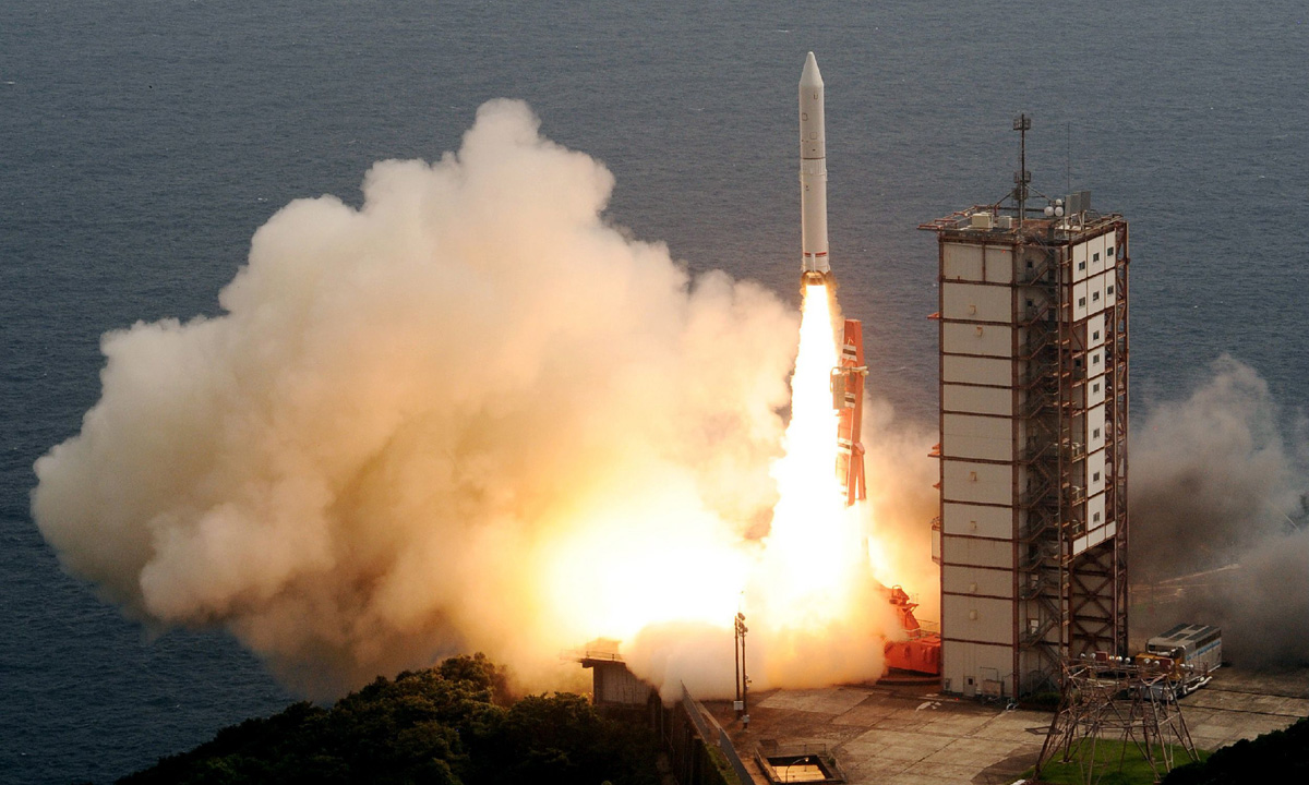 Japan's new solid-fuel Epsilon rocket lifts off. – Photo by AFP