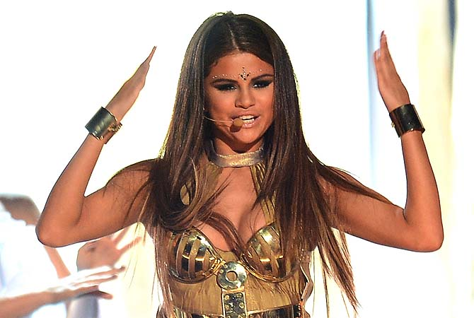 Popstar Gomez cancels Russia shows over 'anti-gay' visa woes