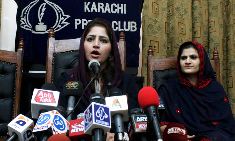 Provincial Minister for Women Development and Social Welfare Rubina Saadat Qaimkhani speaking to reporters during a press conference at the Karachi Press Club. — Photo by Qaisar Khan