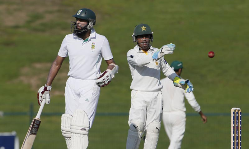 Hashim Amla's (L) 118 rescued after a mini-collapse. — Photo by AFP