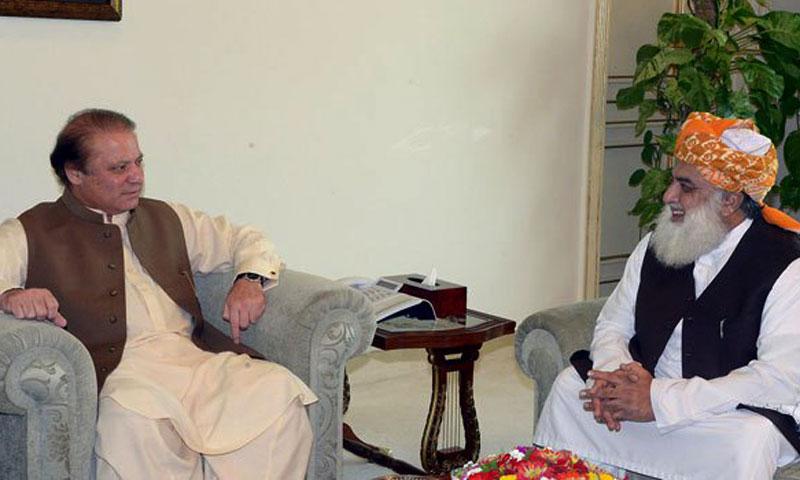 Prime Minister Nawaz Sharif (L) and JUI-F chief Maulana Fazlur Rahman (R). — File photo