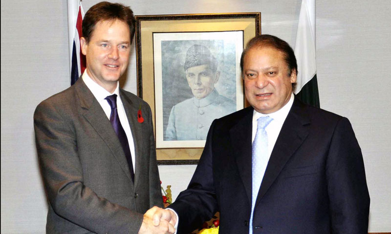 Prime Minister Nawaz Sharif shakes hand with British Deputy Prime Minister Nick Clegg during a meeting in London on Thursday, October 31, 2013. – PPI Photo
