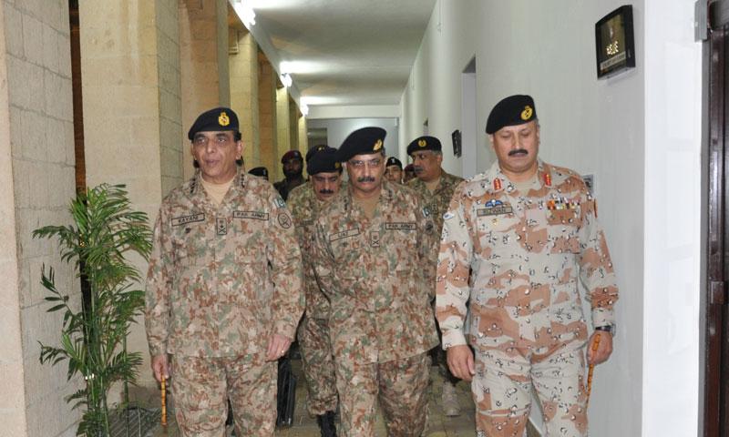 COAS General Ashfaq Pervez Kayani with DG Rangers Sindh Maj-Gen Rizwan Akhtar and Corps Commander Lt-Gen Muhammad Ijaz Chaudhry during his visist to Rangers HQ in Karachi on Monday. – Photo courtesy PRO Pakistan Rangers