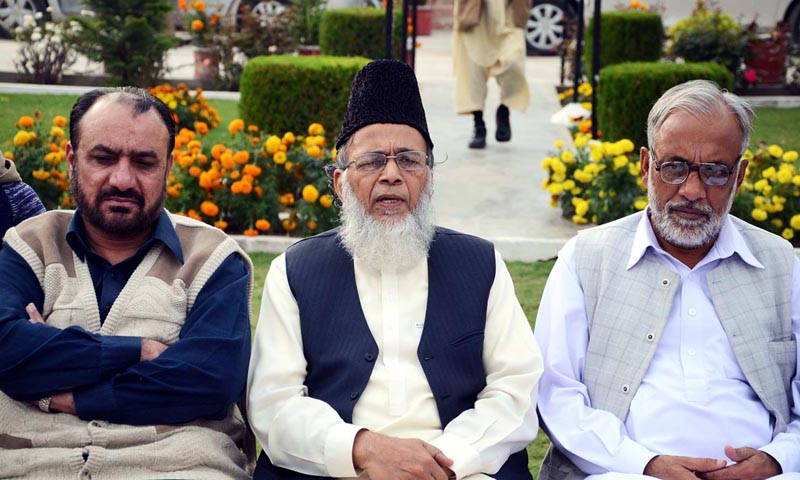 Jamaat-i-Islami Syed Munawar Hassan addressing a press conference. — Photo by Online