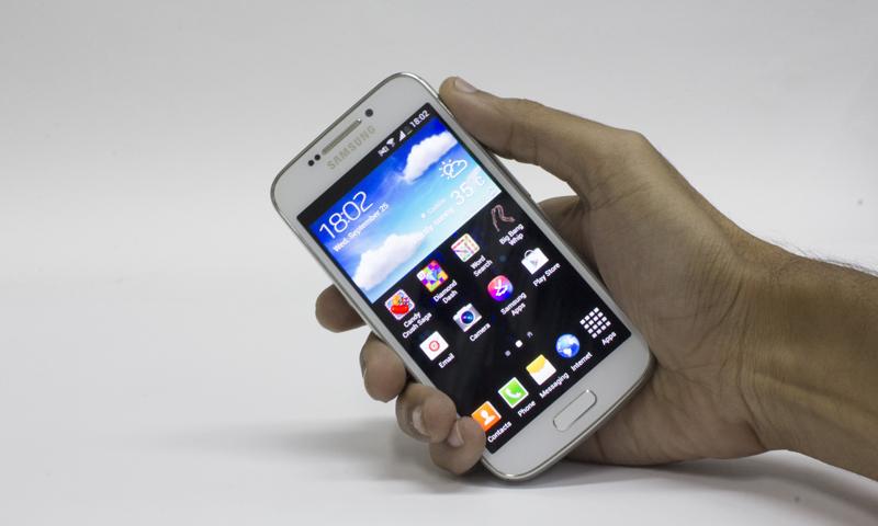 Inspect-a-gadget: Samsung Galaxy S4 Zoom