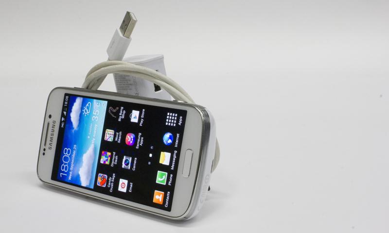 Samsung Galaxy S4 Zoom Pictured with accessories. — Bilal Brohi/Spider Magazine Photo