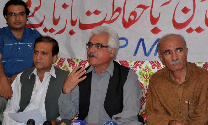 File photo shows Dr Haq Dad Tareen addressing a press conference at a protest camp against the kidnapping of senior cardiologist Dr Munaf Tareen. —INP PHOTO