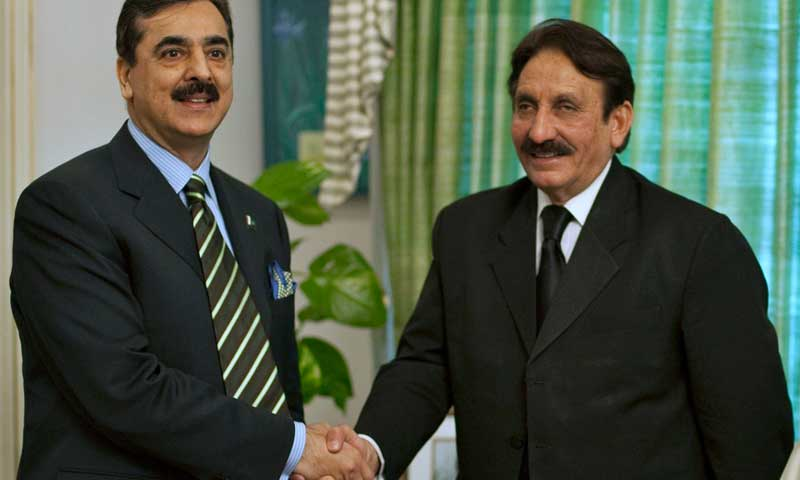 Chief Justice Iftikhar Chaudhry shakes hands with Yousuf Raza Gilani in this February 17, 2010 file photo. — Reuters