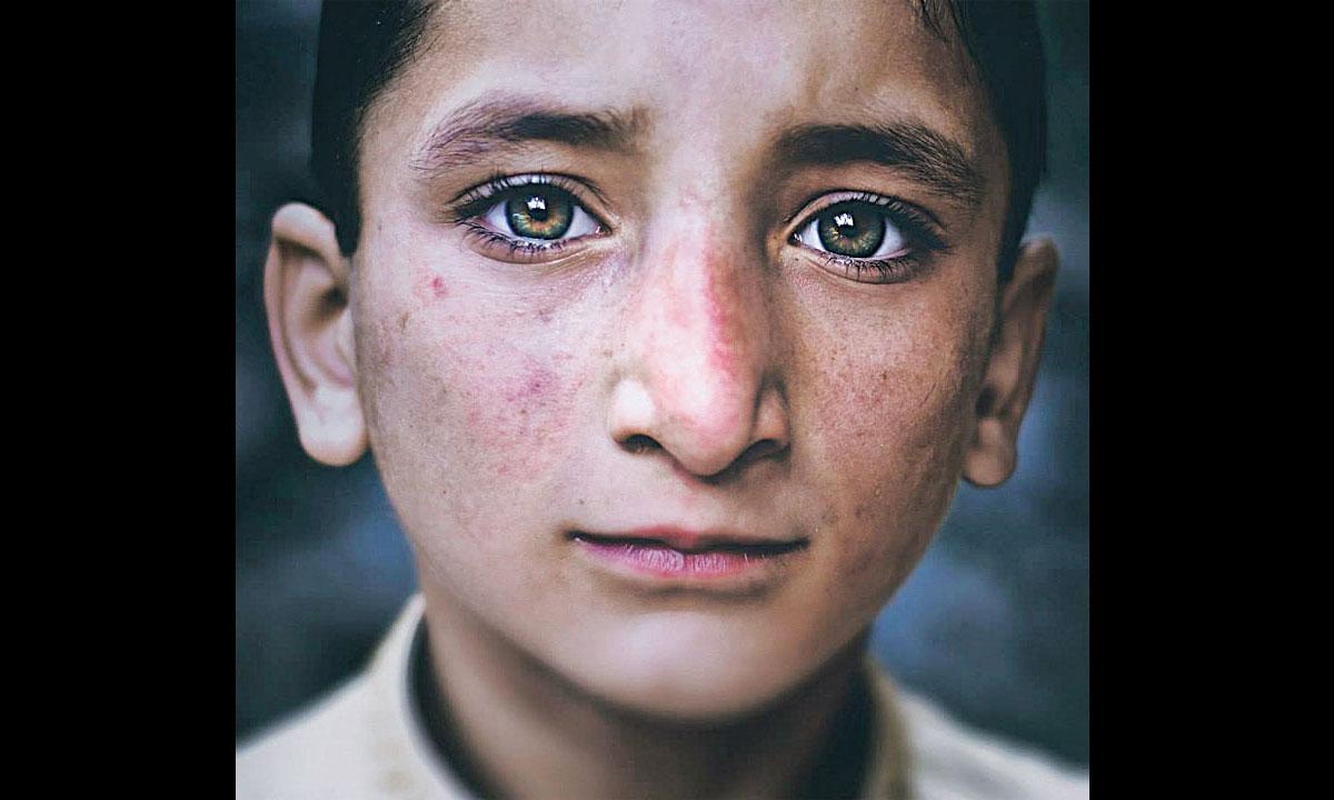 Kashmiri Eyes Eyes as deep as the ocean a