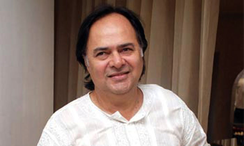 Veteran actor Farooq Sheikh, 65, died late on Friday night. — Photo ...