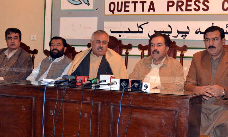 Balochistan Information and Law Minister Abdul Rahim Ziaratwal addresses a press conference at Quetta press Club on Saturday. – INP Photo