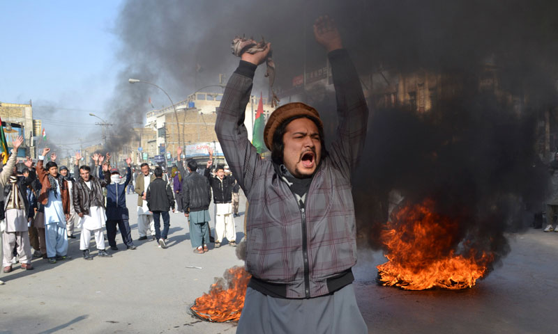 Quetta_protest_Shia_bus_bombing_AP_2_800