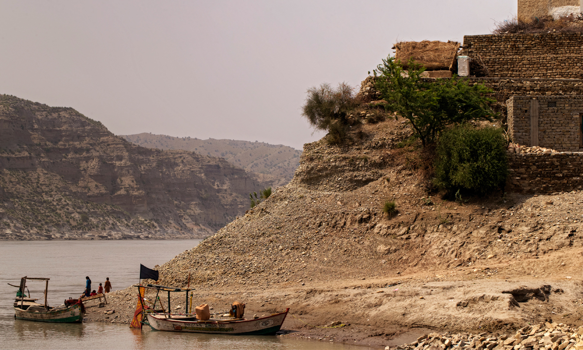 Rukfaan, a settlement along the river Indus, upstream of Kalabagh. - Photo by Kohi Marri