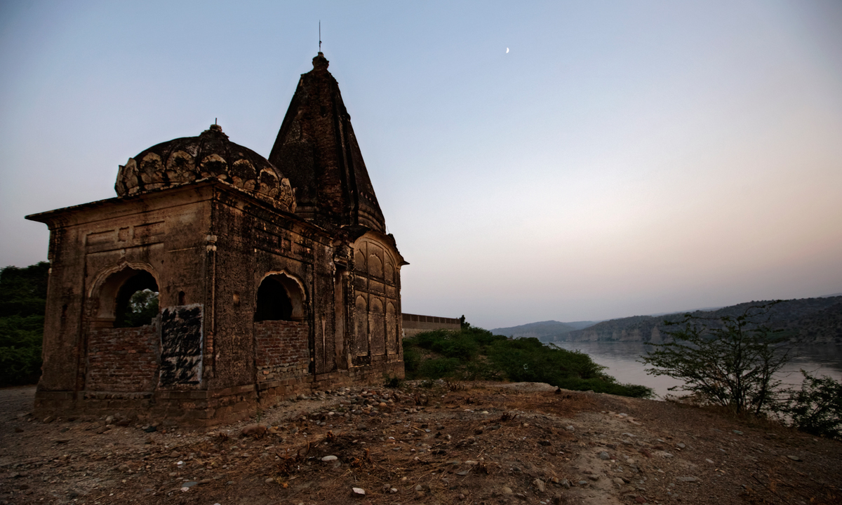 Ancient ruins over looking the river, at Old Maari Indus. — Photo by Kohi Marri