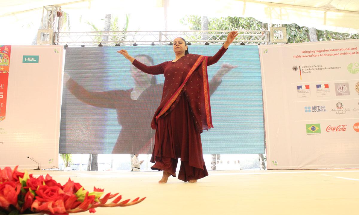 Nahid Siddiqui performing at the inauguration. – Photo by Muhammad Umar