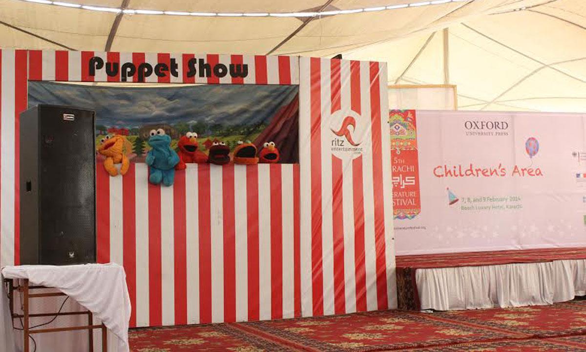 Puppet show at the Karachi Literature Festival. – Photo by Muhammad Umar