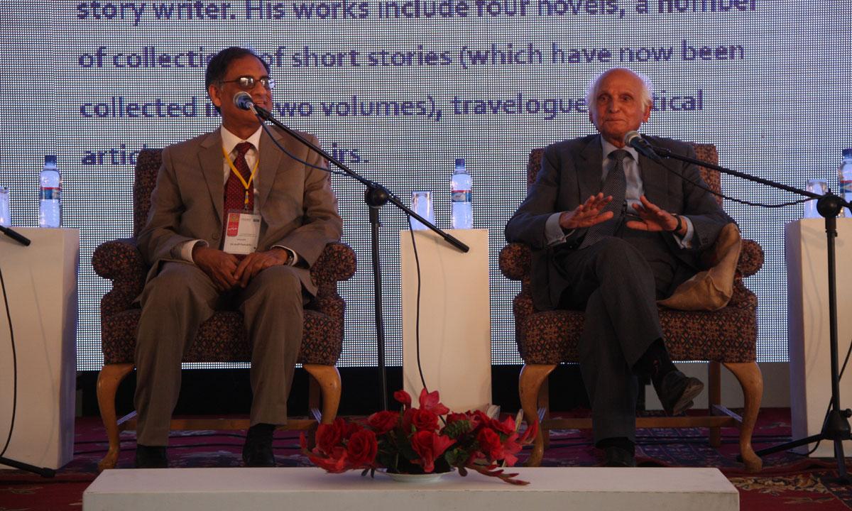Asif Farrukhi and Intizar Hussain from the session Basti aur Uskay Baad
