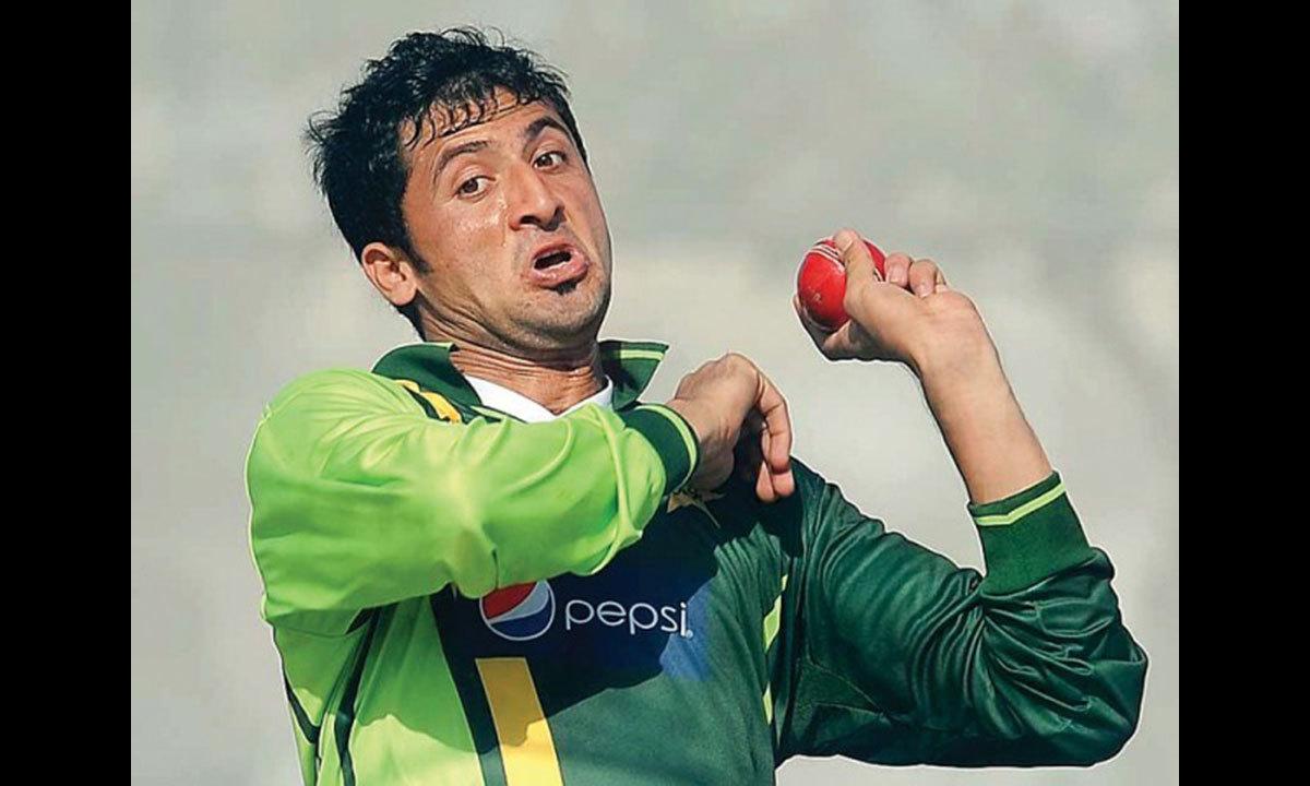 ج= جنید خان، پاکستان کا نوجوان تیز باؤلر، ڈیتھ اوورز میں باؤلنگ میں مہارت کا حامل