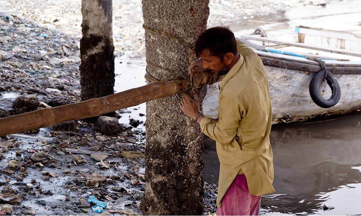 بھٹ آئی لینڈ لگتا ہے کہ کراچی کا ایسا علاقہ بن گیا ہے جسے بھلا دیا گیا ہے۔