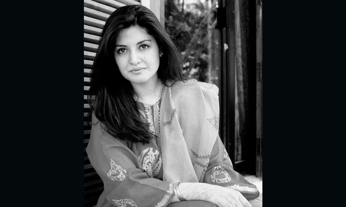 1997 میں نازیہ کی شادی مرزا اشتیاق بیگ سے ہوئی جو ناکام رہی اور چار اگست 2000 کو ان کی طلاق ہوگئی، کینسر کے مرض میں مبتلا باصلاحیت گلوکار طلاق کے صرف نو دن بعد یعنی تیرہ اگست 2000 کو ایک بیٹے اور لاکھوں مداحوں کو سوگوار چھوڑ گئیں 2002 میں بعد از وفات نازیہ حسن کے لئے حکومتِ پاکستان کی جانب سے ملک کا سب سے بڑا اعزاز پرائڈ آف پرفارمنس دیا گیا جبکہ دو ہزار تین میں ان کی یاد میں نازیہ حسن فاوٴنڈیشن قائم کی گئی۔