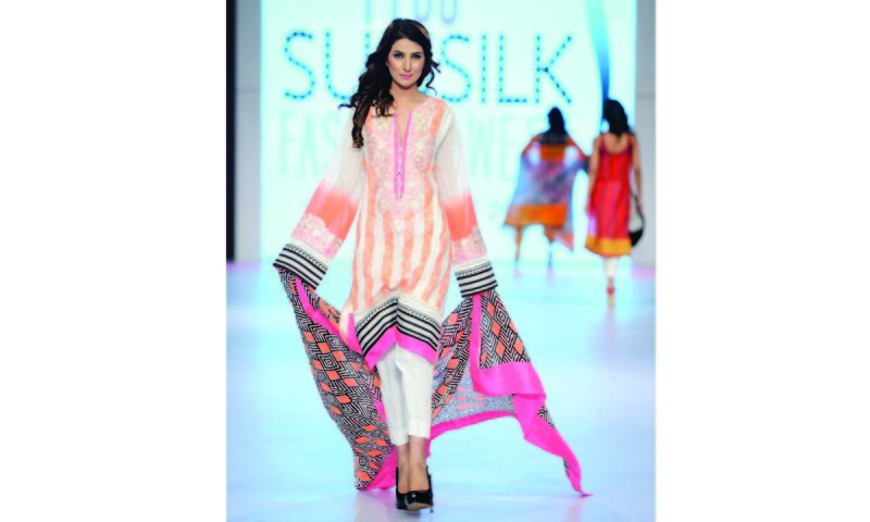67cf3cdb66 In style: The fashion lawn bubble - Newspaper - DAWN.COM