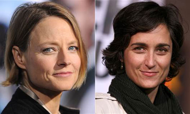 Jodie Foster (L) wed Alexandra Hedison (R), a photographer and actress. – Photo by AFP
