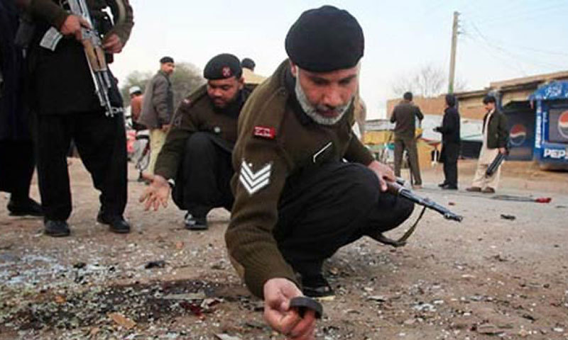 A roadside bomb killed one paramilitary trooper and injured four others in the Kitkoot area of Khar, the main town of Bajaur. – File Photo