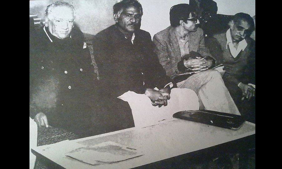 Faiz Ahmad Faiz (left) is pictured along with Syed Sadequain Ahmed Naqvi (Second from right).