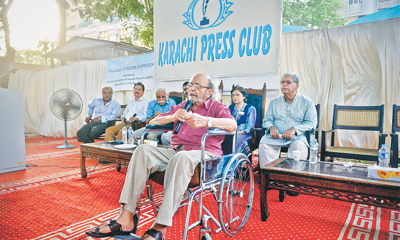 Saleem Asmi, former editor of Dawn, speaks on threats being faced by journalists in Pakistan.—White Star