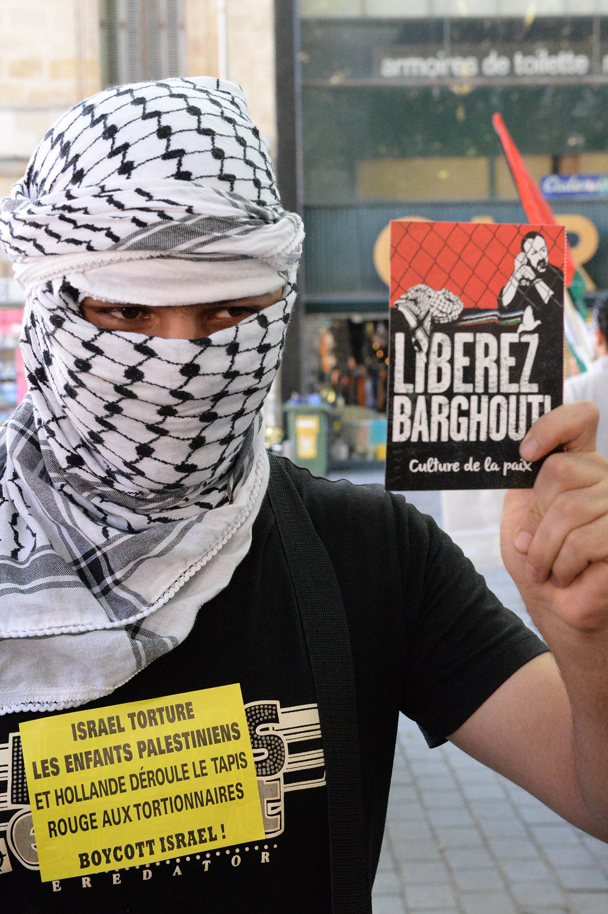 Almost 300 people congregate on July 10, 2014 in Bordeaux to denounce the Israeli military offensive inthe Gaza strip.— Photo by AFP