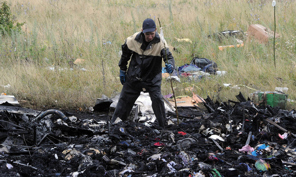 MH17 victims unrecovered as Australians, Dutch ready mission