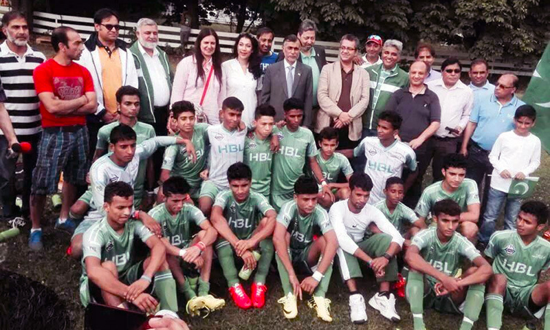 Pakistan street child football team defeats Norwegian club 6-0