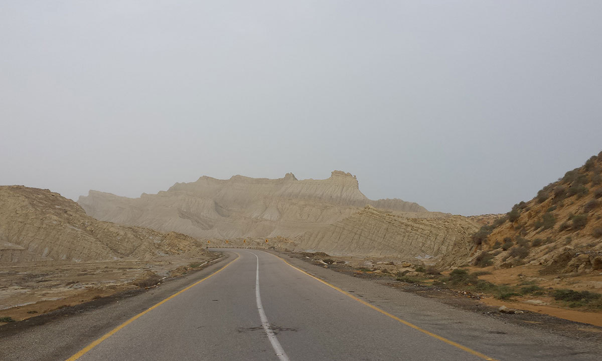 A view of the Makran Coastal Highway while we were enroute to the Hingol National Park. — Photo by Ali Umair Jaffery
