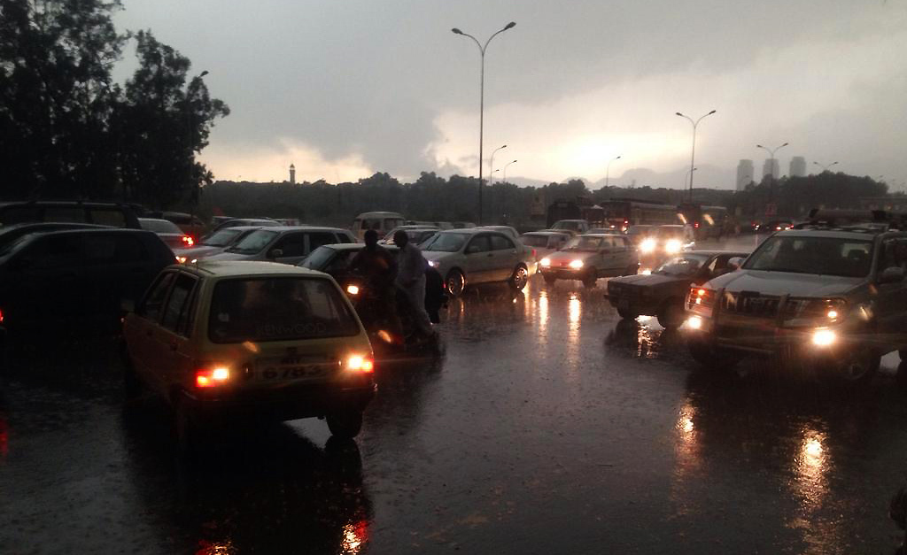 Rain at Zero Point in Islamabad today - @ShahzebJillani/Twitter