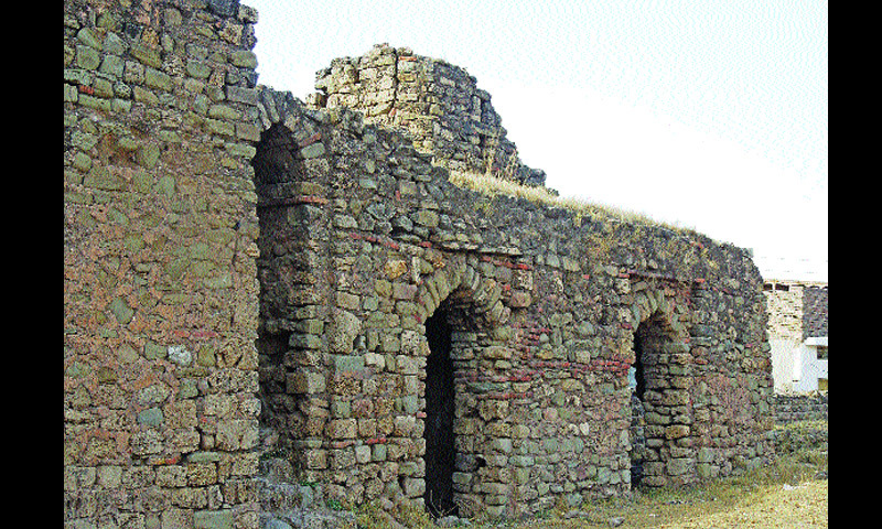 Rooms at Rawat Fort, which were used as sarai for traveling passengers.