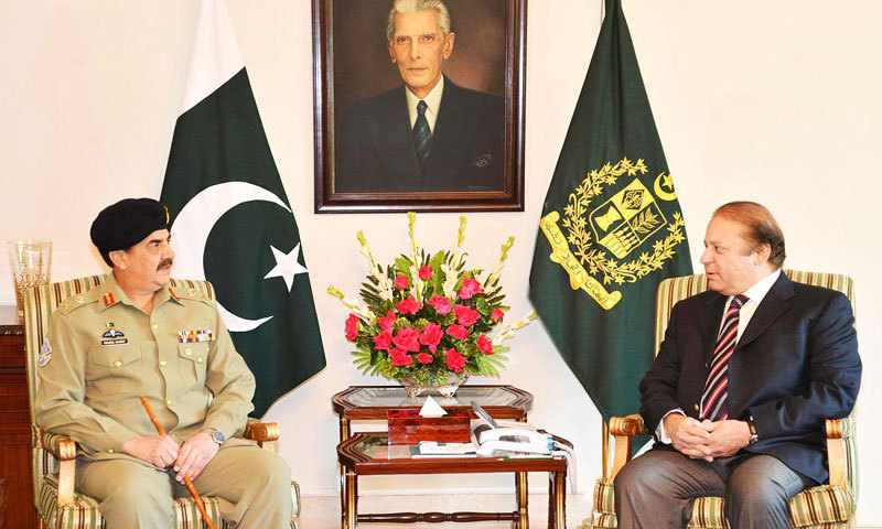 Chief of Army Staff General Raheel Sharif (L) in a meeting with Prime Minister Nawaz Sharif (R).  — File photo