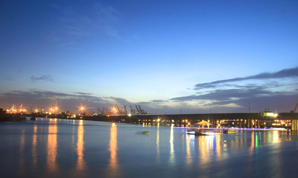 Port Sight Karachi. - Photo by Aliraza Khatri