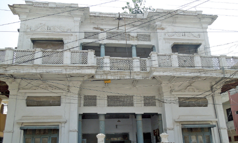 One of the Havelis from the pre-partition period in Lal Kurti. Several old buildings in the area are well maintained by their residents.