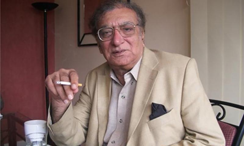 اُردو کے معروف شاعر احمد فراز کو ہم سے بچھڑے آج چھ سال بِیت گئے- فائل فوٹو