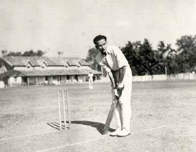 A young Jamsheed Markear playing club cricket in Lahore in 1940s (Picture Credit: The Citizens Archives).