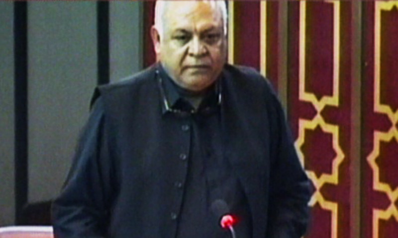 Hasil Bizenjo on the floor